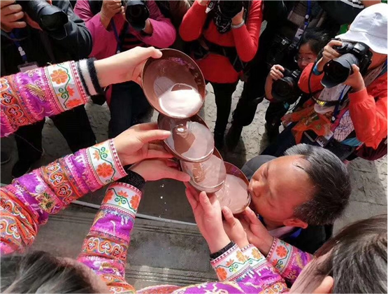 """春节期间必去打卡,贵州·关岭2020苗族民间""""花树节""""举办"""