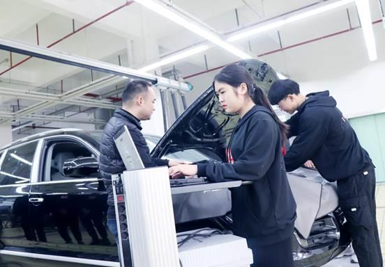 初中生学汽修好不好?上海最好的汽修学校是哪家?