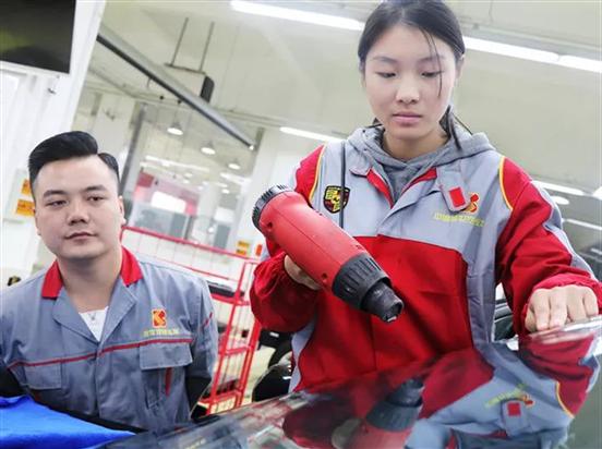 全国哪个汽修学校学汽修最好?上海这家国家重点汽车院校重点培养高端汽车人才