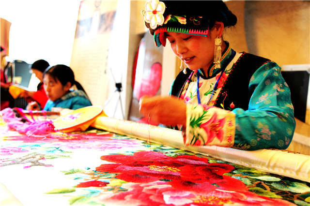 不止北川羌年、大禹祭祀、沙朗节民俗文化品牌,北川还有3000余种文旅商品