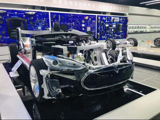 深度研究汽车新技术 北方汽车教育解剖特斯拉Model S