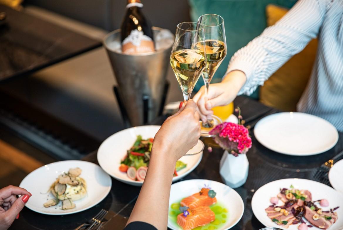 """天津丽思卡尔顿酒店打造情人节""""爱的盛宴"""""""