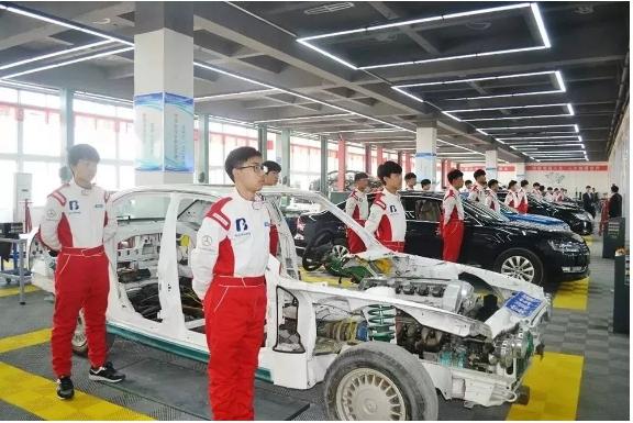 甘肅北方汽車學校為你揭秘 學汽修有前途嗎?汽修技能人才工資有多少?