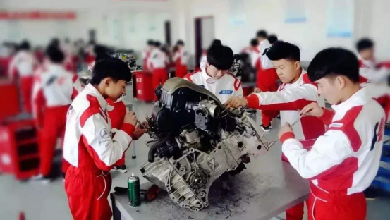 甘肃北方汽车学校为你揭秘 学汽修有前途吗?汽修技能人才工资有多少?