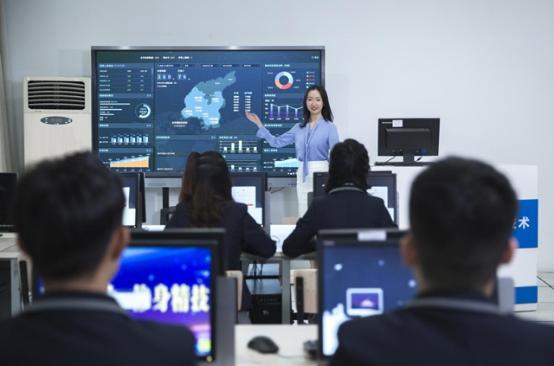 国家发布16个新职业—人工智能看新华