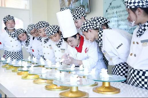 山西新東方:初中生學廚師去哪里學比較好?