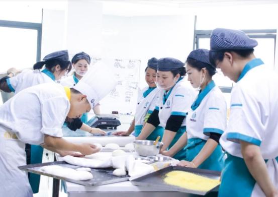学甜品烘焙前景如何?在西安哪里可以学习甜品烘焙技术?