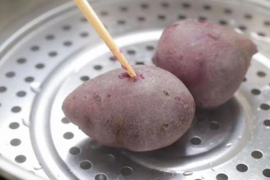 """紫薯蛋糕卷 这个美貌具备一点""""网红气质""""!"""