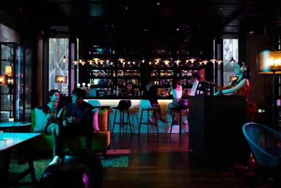 万豪国际集团打造都市特色酒店夜生活体验 助力推动城市夜间经济发展