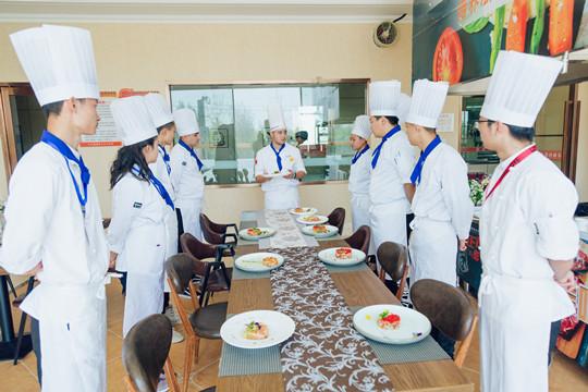 新疆新东方:学厨师,退伍军人也能轻松就业