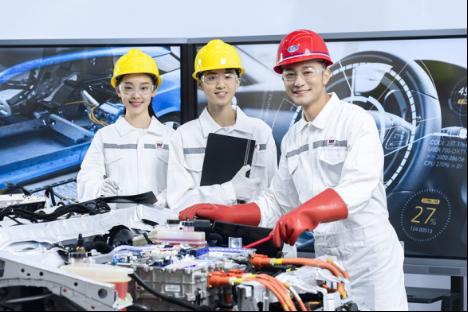 """重庆万通:汽车""""新""""时代,学技术就选新能源专业"""
