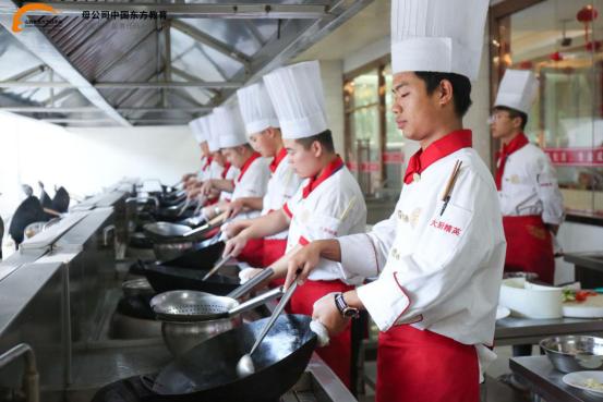 山西新东方:初高中生学厨师,选择一所好学校是关键