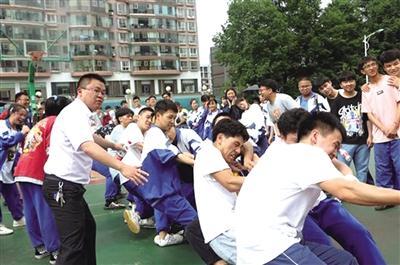 六盘水市实验二中举行体育比赛为高考考生减压-贵州网
