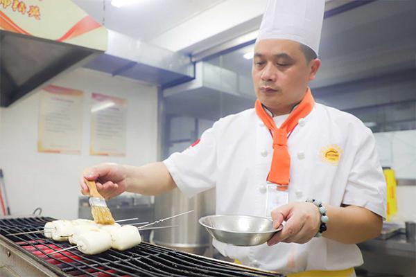 杭州新东方:35岁后,如何面对职场下半场,再就业适合学习什么技能?