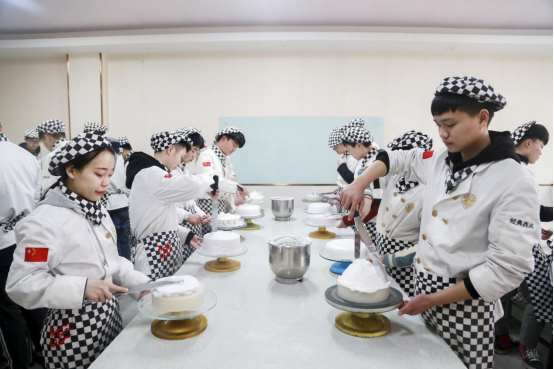 长沙新东方:中考之后学烘焙技术要多少钱?