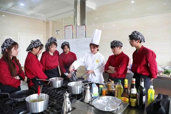 走进新东方烹饪学校