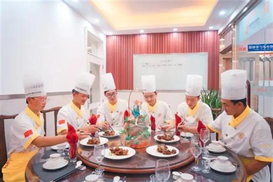 湖北新东方烹饪学校:到新东方上学是一种什么感受?