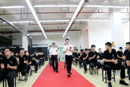 首创!在上海这家学校学高端汽车技术,还可以进修影视戏剧专业
