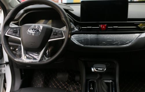 自主小型SUV的标杆之争,江淮嘉悦X4
