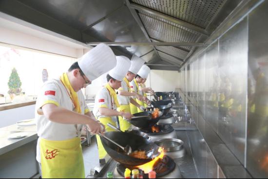 长沙新东方:厨师培训学校是初高中生的理想选择