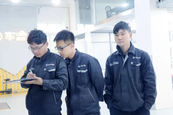 学汽车美容创立品牌门店,本科毕业的他为何选择上海博世汽车学校