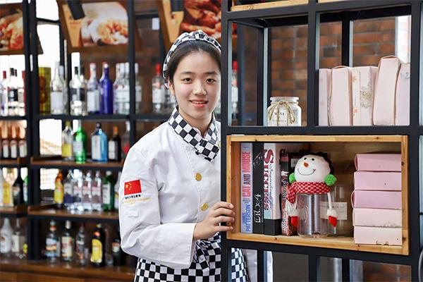 新生故事 王栀伊——天生就与甜点绝配的清雅少女~
