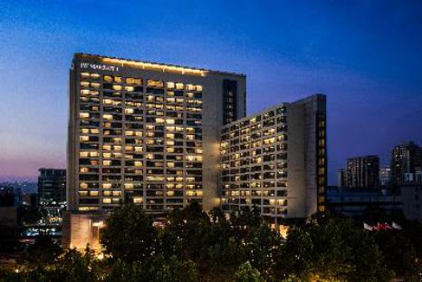 """万豪国际集团北京地区酒店 X SKP-S联袂开启一场""""探索科技、体验艺术、感受时尚""""之约"""