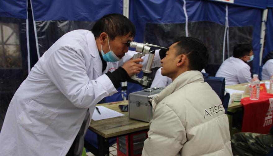 黔西县:健康扶贫助脱贫义诊巡诊进社区