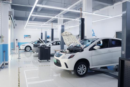 想学新能源汽车维修技术去哪比较好?上海博世汽修学校怎么样?就业去哪比较好?