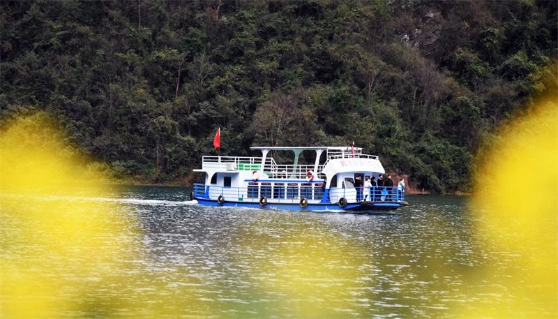 黔西县铁石乡:水清河畅岸绿景美迎客来
