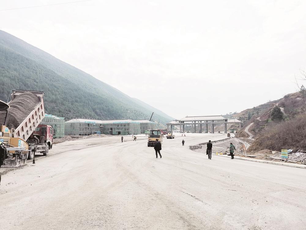 """铜仁印江至重庆秀山高速复工 今年""""五一""""通车"""