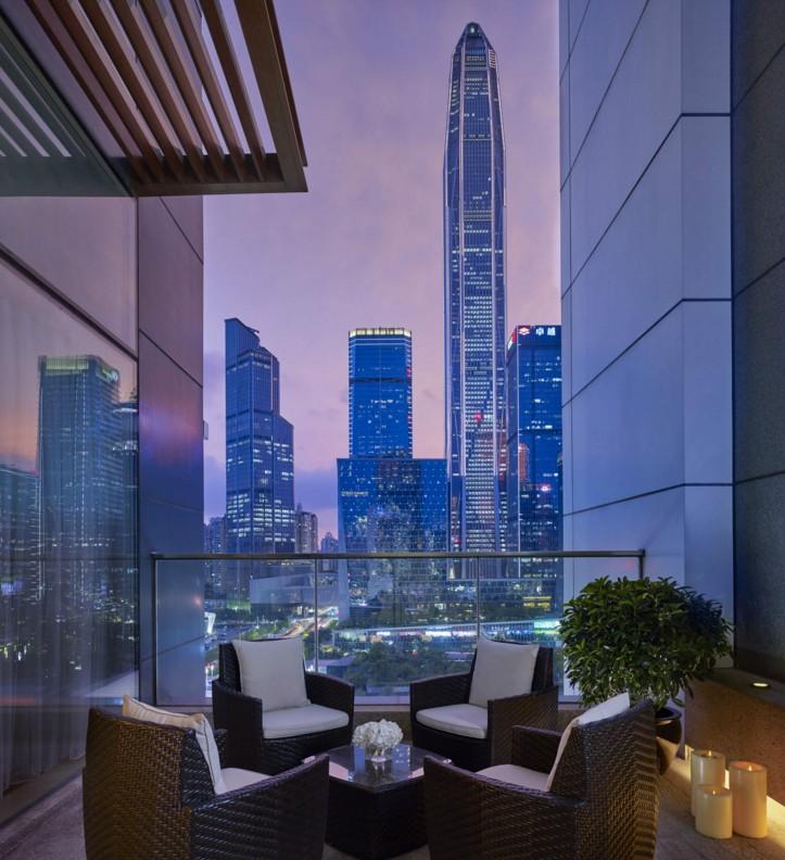 从深圳星河丽思卡尔顿酒店开始,一键解锁鹏城艺术人文游踪