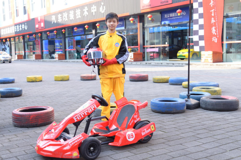 垫江三姐弟圆梦入学:跟随两位姐姐的求学脚步,他从职校辍学转而选择重庆万通学汽车技术