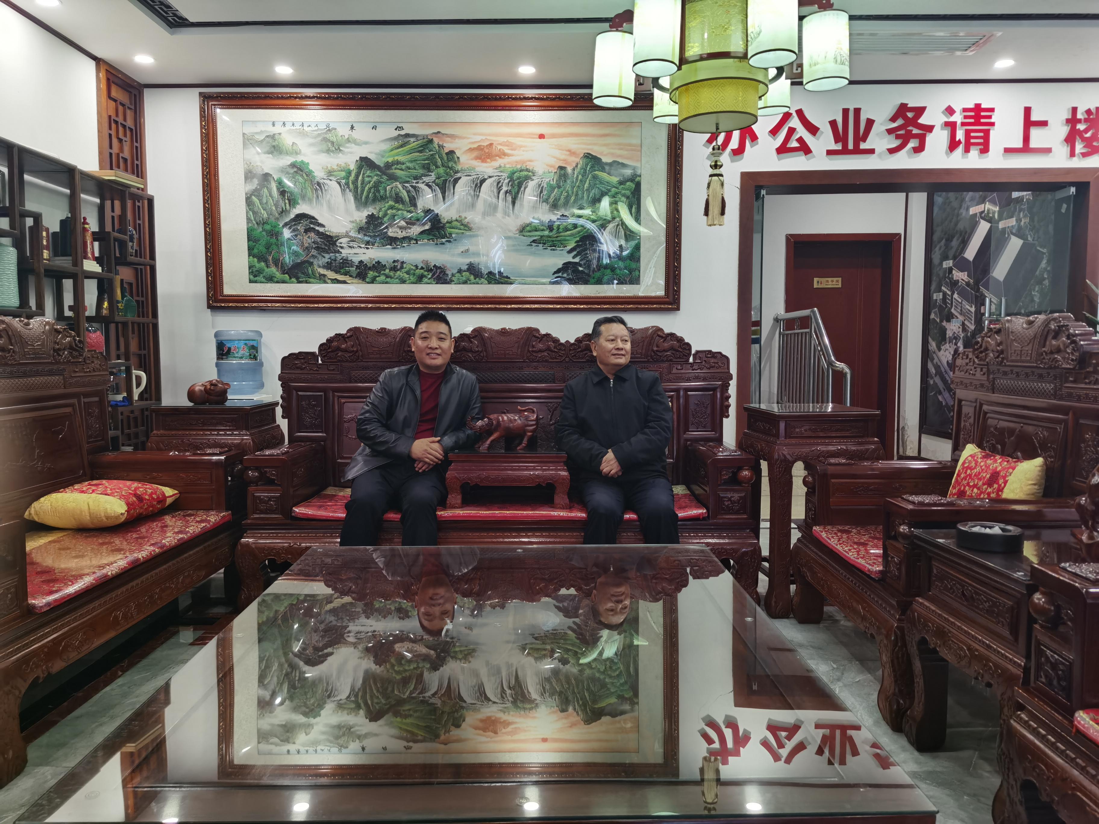 中国白酒专家胡义明莅临茅台镇仁战酒总部调研