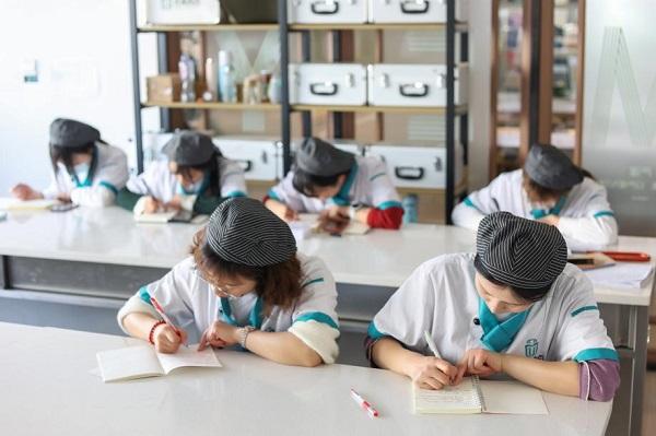 中高考结束,陆续出分放榜,湖南这所学校报名热潮持续火热中!