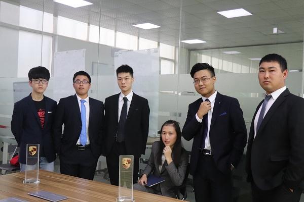 学汽车美容好不好就业创业?上海博世汽修学校汽车美容专业,学好只要两个月!